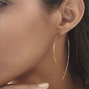 Jewelry - Minimalist Gold Earrings, NWT